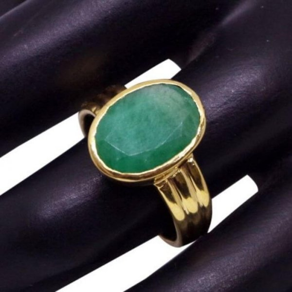 Panna Emerald Ring