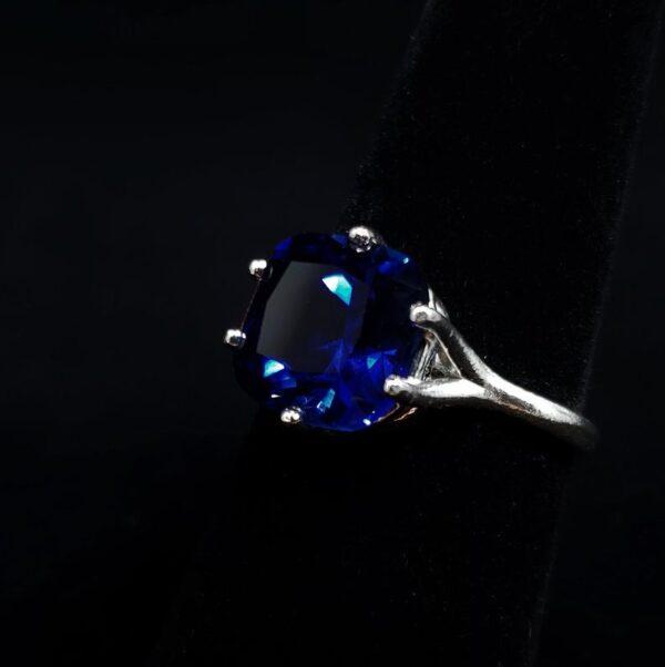 cushion cut blue sapphire ring