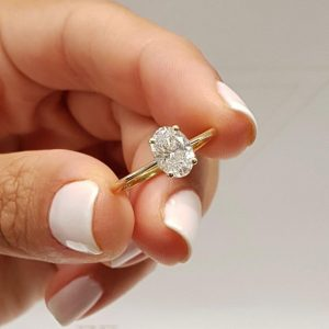 Classic Oval Moissanite Diamond Ring. Engagement Ring, 925 Starling Silver, Oval Cut Ring,