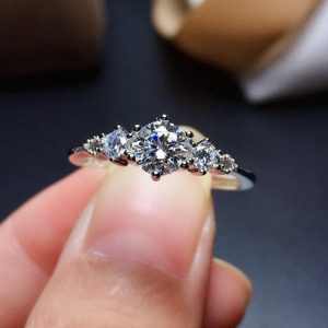 Very Shoft Moissanite Ring In Round Cut With Starling Silver. Engagement Ring, Gift For Her, Anniversary Gift