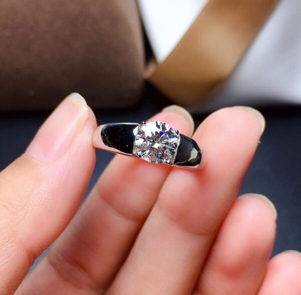 Man moissanite diamond ring