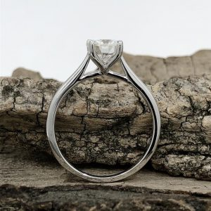 Moissanite diamond ring in starling silver