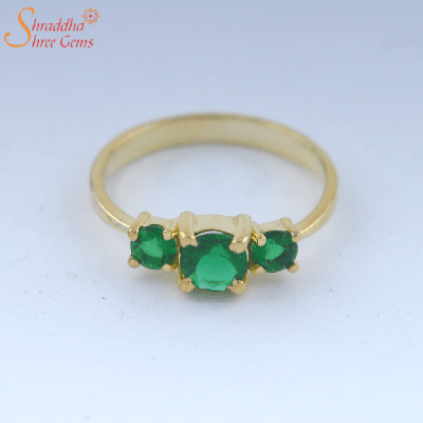 4.25 Ratti emerald gemstone ring