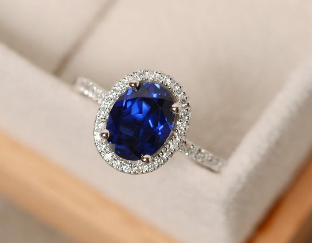 natural blue sapphire stone